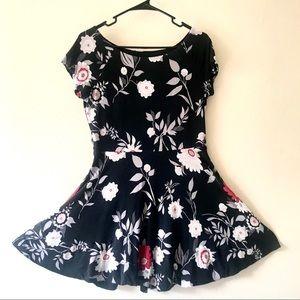4/$25. LOFT Floral Fit & Flare Mini Dress Med Crop